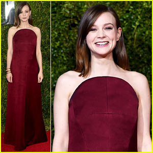 Carey Mulligan Shows Off Her Big Smile at Tony Awards 2015