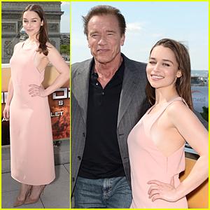 Emilia Clarke Poses Without Crutches at 'Terminator: Genisys' Paris Photo Call