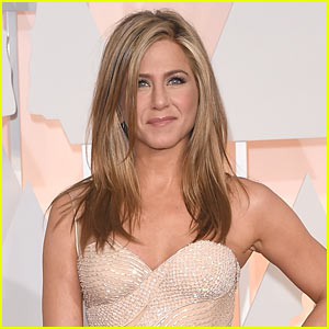 Jennifer Aniston Reveals She's Writing a Cookbook!