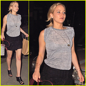 Jennifer Lawrence Steps Out In New York City Following 'Hunger Games: Mockingjay - Part 2' Trailer Release