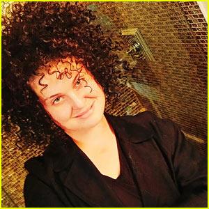 Kelly Osbourne Wears Wig to Parody Rachel Dolezal's Hair