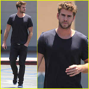 Liam Hemsworth Steps Out After His Teen Choice Nom