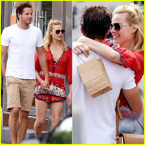 Margot Robbie Flaunts PDA with Boyfriend Tom Ackerley in Toronto!