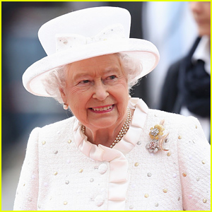 Queen Elizabeth May Be Displaced From Buckingham Palace During Renovations