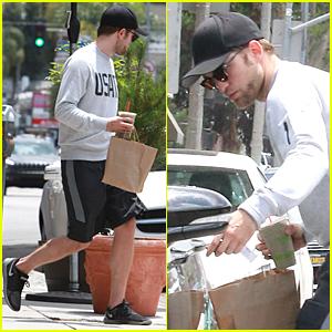 Robert Pattinson Tries to Go Unnoticed at Naturewell