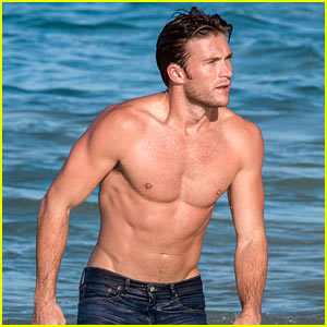 Scott Eastwood Reveals How He Looks So Good Shirtless