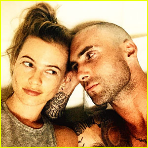 Adam Levine Shows Off A Shaved Head