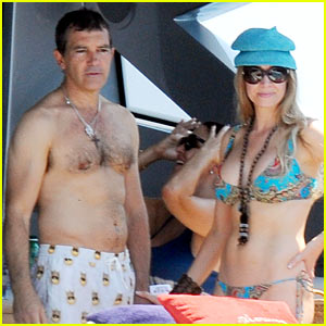 Antonio Banderas Goes Shirtless in Ischia with His Girlfriend!