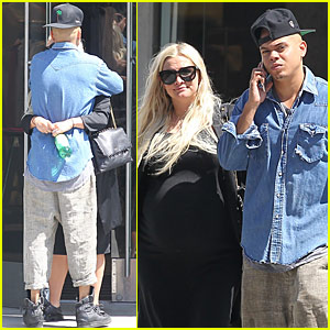 Ashlee Simpon & Evan Ross Await the Arrival of Their Baby Girl