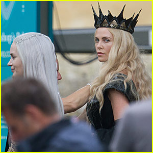 Emily Blunt & Charlize Theron Get Serious on the Set of 'The Huntsman'