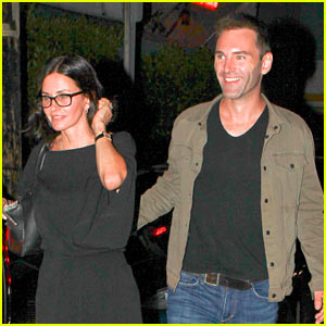 Courteney Cox & Johnny McDaid Are All Smiles on Date Night!