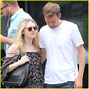 Dakota Fanning & Boyfriend Jamie Strachan Are Still Going Strong!