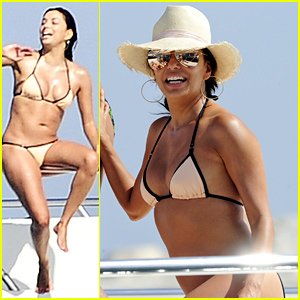 Eva Longoria Displays Her Amazing Bikini Body in Spain