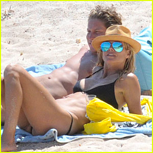Heidi Klum Continues to Look Fabulous in France