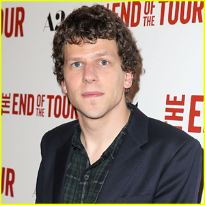 Jesse Eisenberg Clarifies His Comments Comparing Comic-Con to Genocide