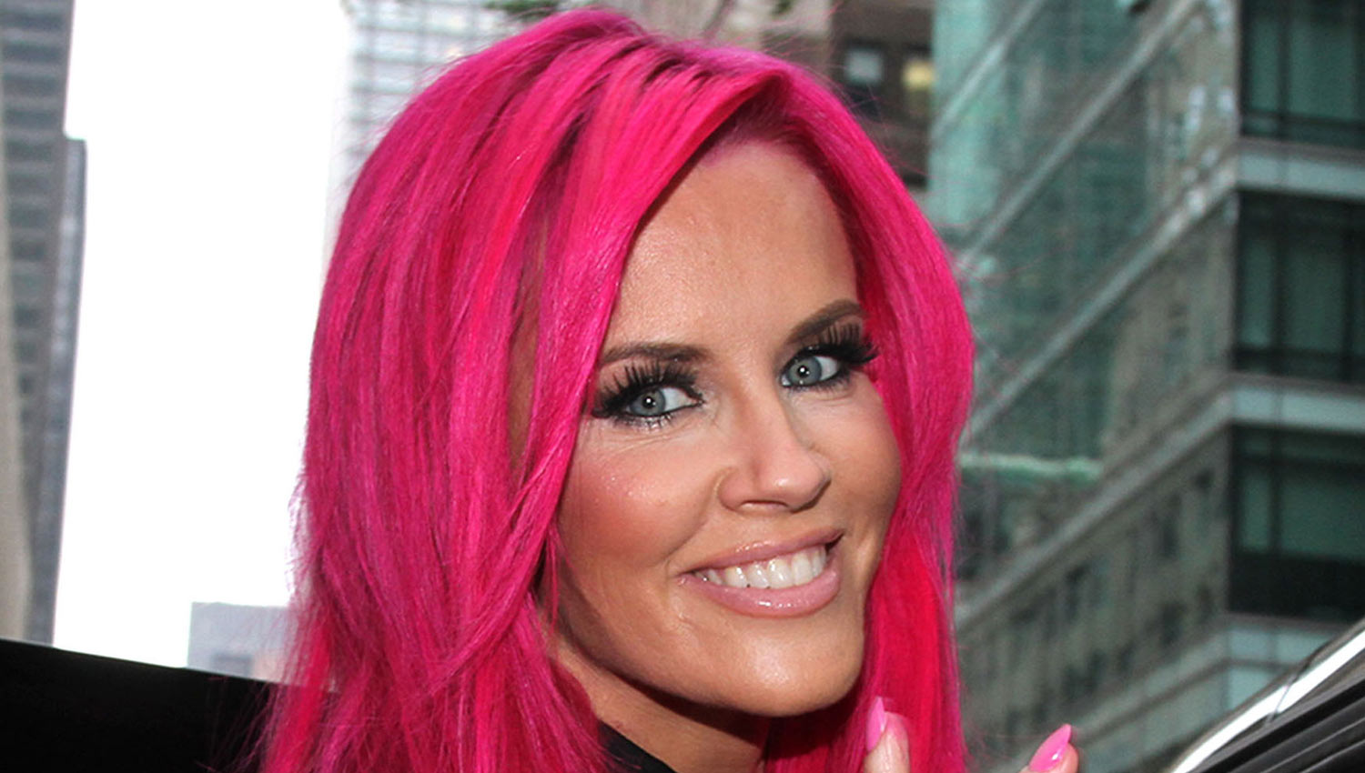 Jenny McCarthy Dyes Her Hair Hot Pink  See Her New Look  Jenny McCarthy