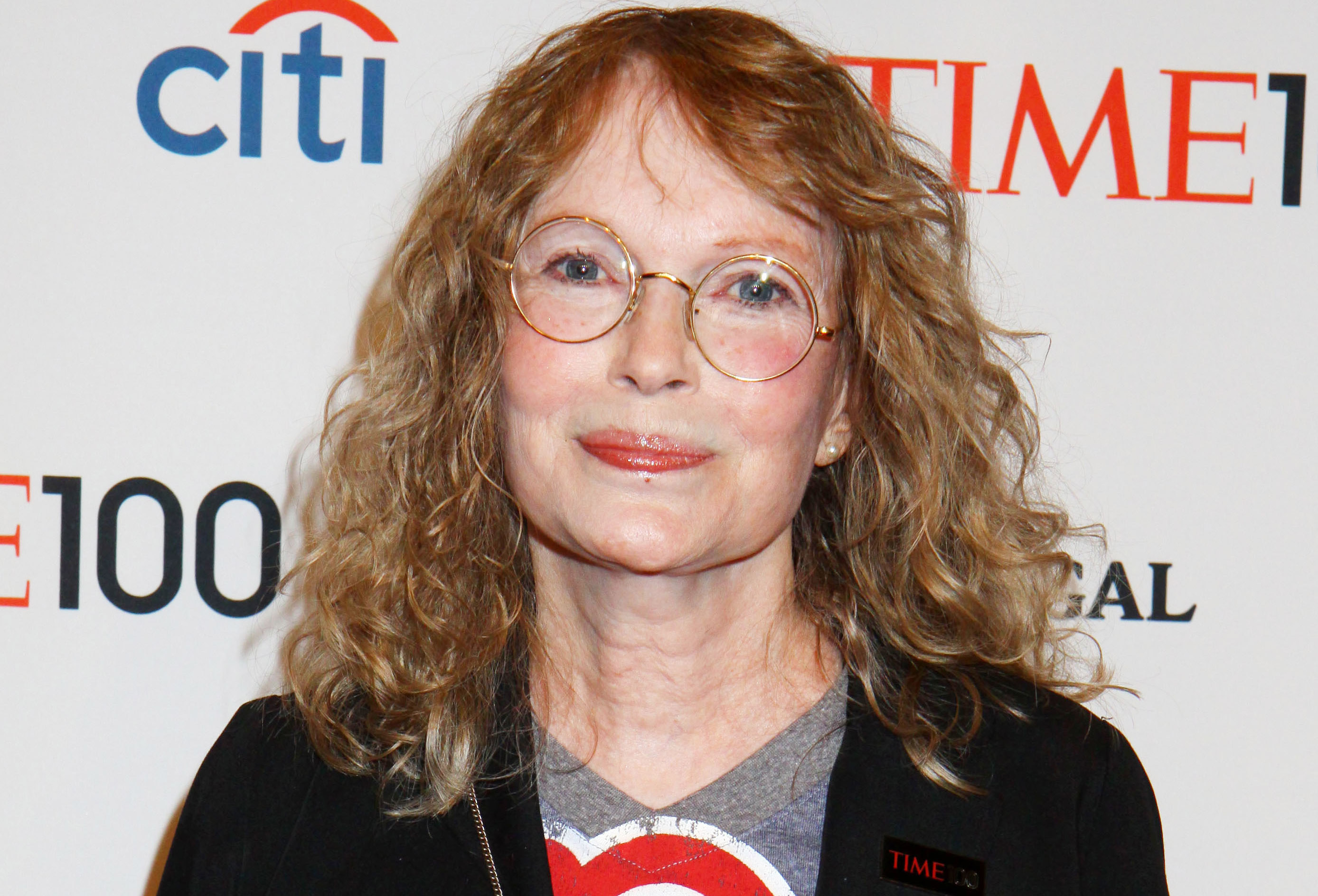 Mia Farrow Faces Backlash After Tweeting Lion Hunter S
