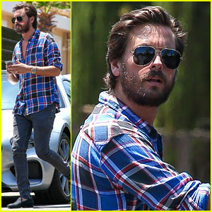 Scott Disick Grabs Lunch with Kourtney Kardashian & the Kids