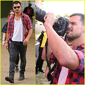 Taylor Lautner Shows Off His Photography Skills at Wireless Fest