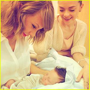 Jaime King Introduces Taylor Swift to Her Godson Leo Thames!