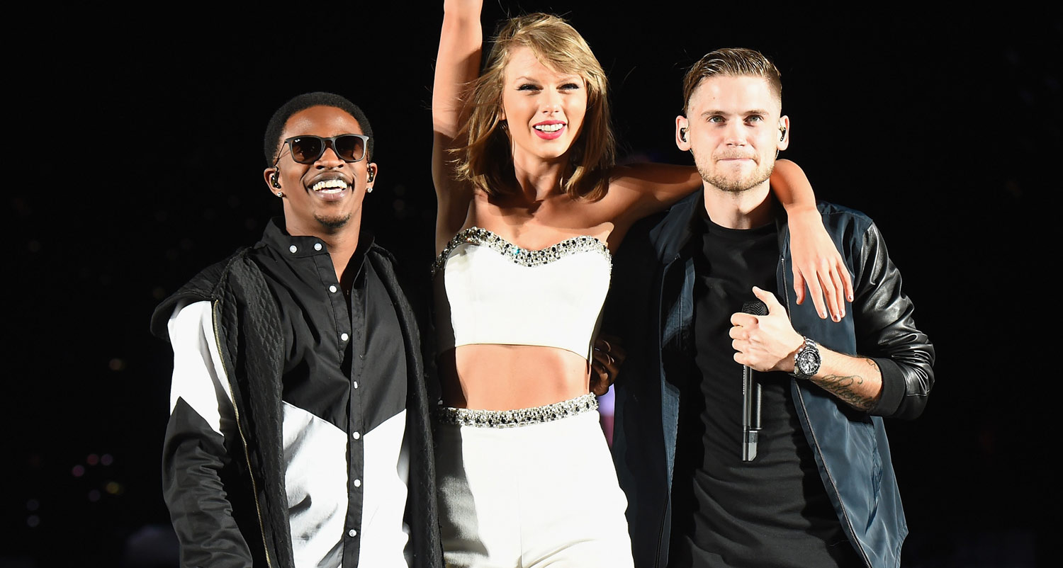 taylor swift brings mkto on stage to perform �classic