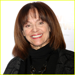 Valerie Harper Rushed to the Hospital After Falling Ill Before a Performance