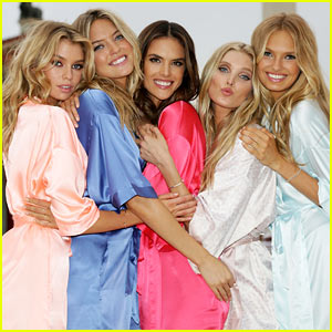 Victoria's Secret Angels Take Over Rome for Holiday Shoot