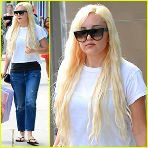 Amanda Bynes Goes Shopping After Sheriff's Dept. Visit