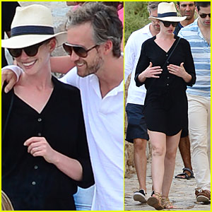 Anne Hathaway & Adam Shulman Vacation With Valentino