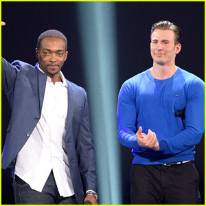 Chris Evans Debuts 'Captain America: Civil War' Footage at D23!