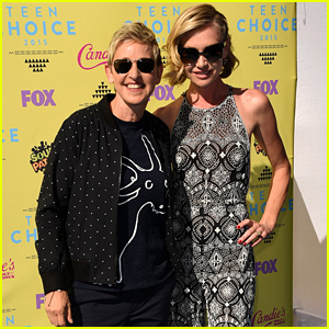 Ellen DeGeneres & Portia de Rossi Celebrate 7th Wedding Anniversary at Teen Choice Awards 2015!