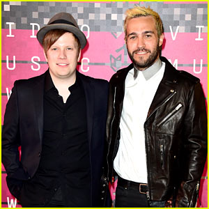 Fall Out Boy Wins First MTV Video Music Award of 2015!