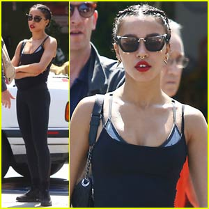 FKA twigs Goes Good Shopping Sans Fiance Robert Pattinson