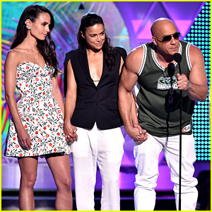 'Furious 7' Cast Thanks Paul Walker's Daughter During Teen Choice Awards 2015 Acceptance Speech (Video)