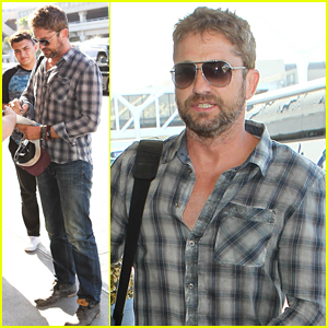 Gerard Butler Makes Time for Fans at LAX!