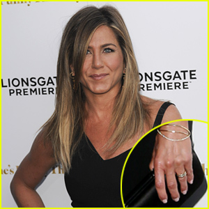 Jennifer Aniston Debuts Wedding Ring, Discusses the Big Day for the First Time (Video)
