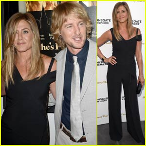 Jennifer Aniston Steps Out for First Time as a Married Woman!