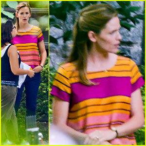 Jennifer Garner Gets Back to Work After Supermom Saturday