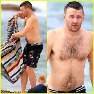 Joel Edgerton Towels Off His Hot Shirtless Body on Sydney Beach