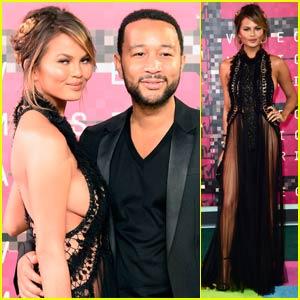 John Legend & Chrissy Teigen Couple Up for MTV VMAs 2015