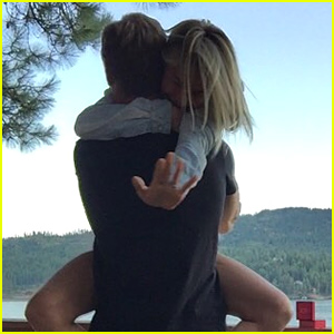 Julianne Hough Is Engaged to Hockey Player Brooks Laich!