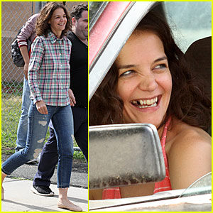 Katie Holmes Is Missing Some Teeth for Her New Movie!