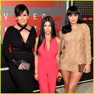 Kourtney Kardashian & Kylie Jenner Attend MTV VMAs 2015 with Mom Kris!