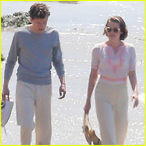 Kristen Stewart & Jesse Eisenberg Take Romantic Stroll For Woody Allen's Untitled Movie in Malibu