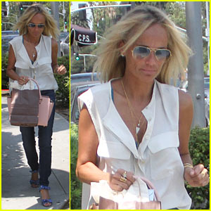Kristin Chenoweth Celebrates Hitting 1 Million Twitter Followers