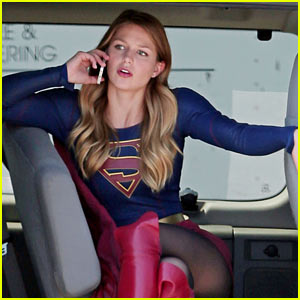 Supergirl's Melissa Benoist Is Still Addicted to Her Gameboy!