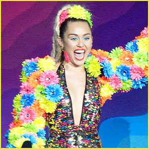 'Miley Cyrus & Her Dead Petz' Free Album - LISTEN NOW!