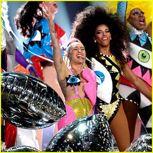 Miley Cyrus Performs New Song 'Dooo It!' at MTV VMAs 2015 - Watch Now!