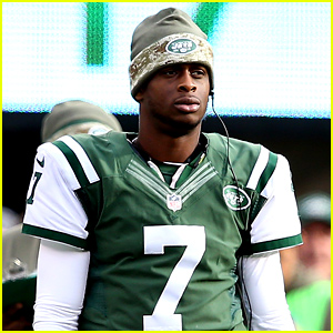New York Jets Quarterback Punched By a Teammate, Will Miss 6-8 Weeks