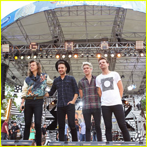Watch One Direction Sing 'Drag Me Down' on 'GMA'! (Video)